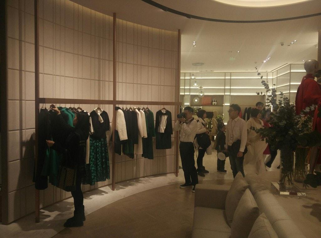 китайская примерка одежды