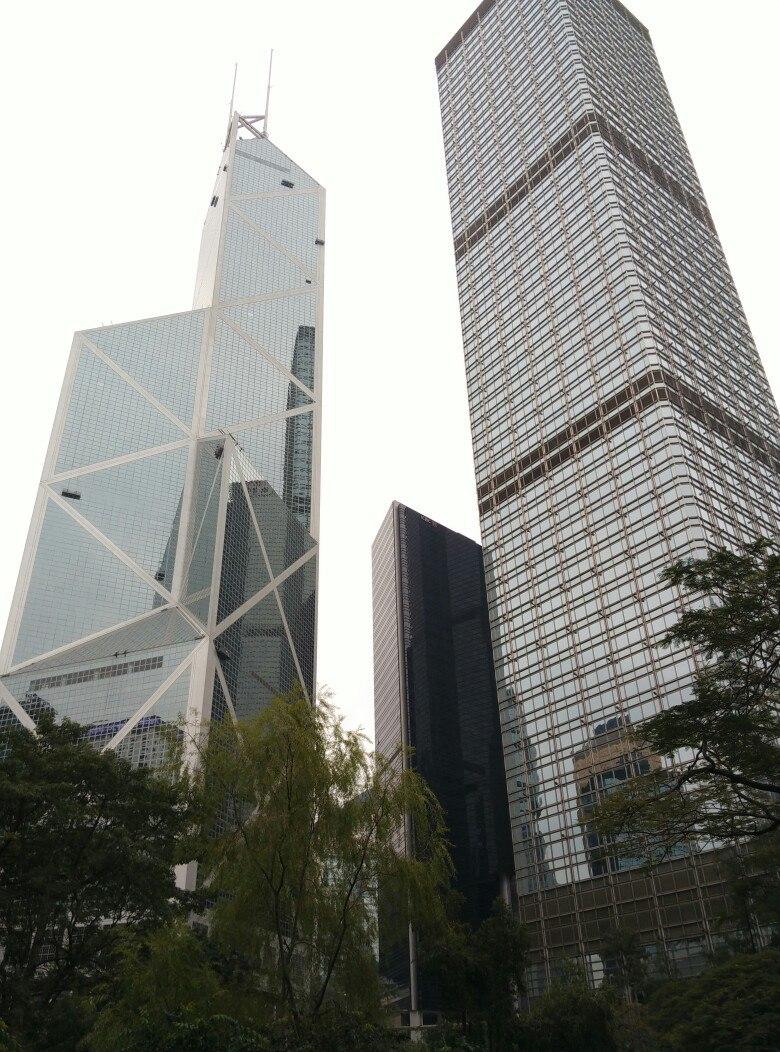 стеклянные небоскребы в гонконге