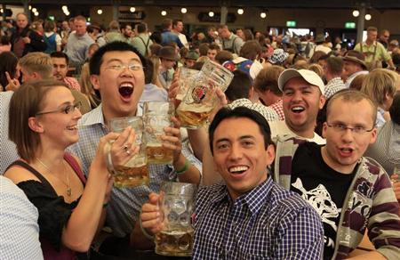 китайцы с иностранцами